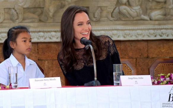 Angelina Jolie divulga novo filme no Camboja