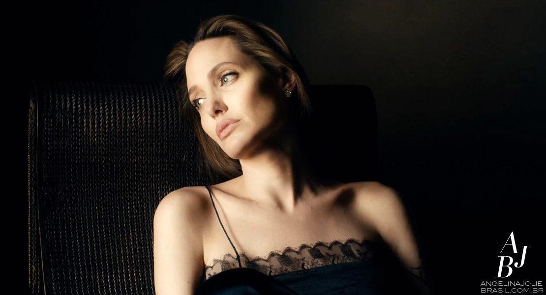 Guerlain libera novo comercial com Angelina Jolie