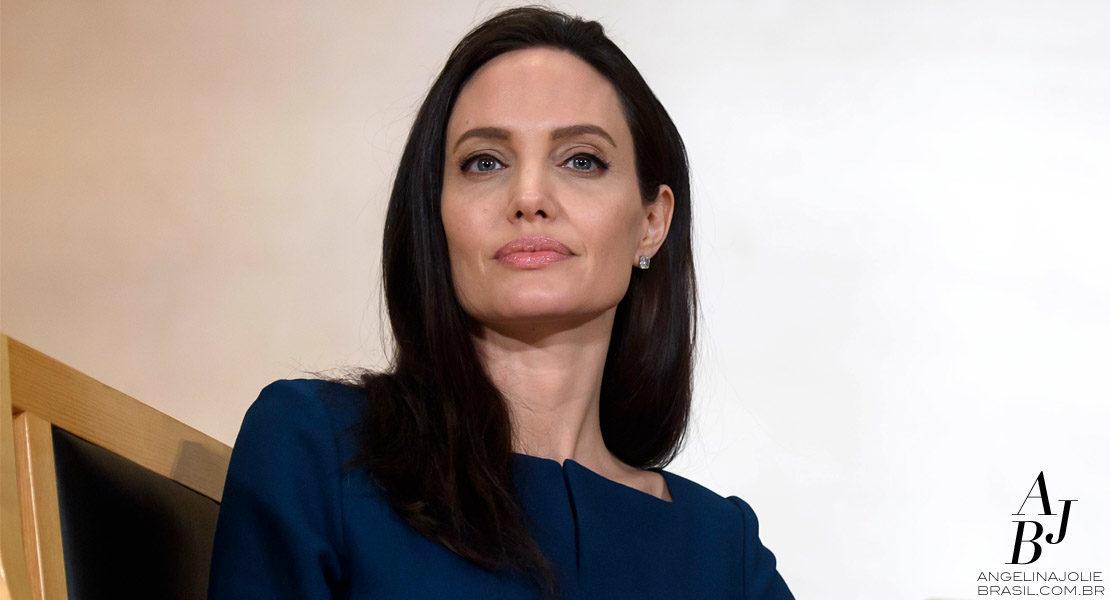 Angelina Jolie presta homenagem a Sergio Vieira de Mello