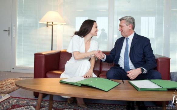 Angelina Jolie renova compromisso com a UNHCR