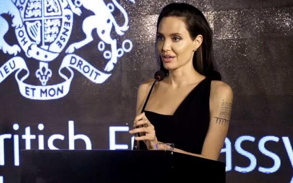 Angelina Jolie participa de documentario cambojano