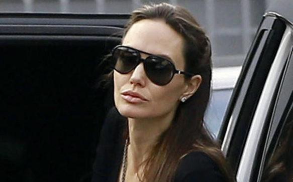 Jolie comemora o aniversário do irmão em Beverly Hills