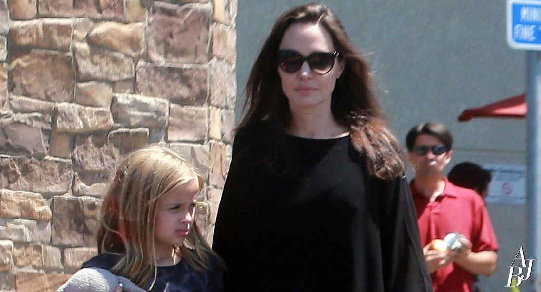 Angelina e Vivienne fazem compras em Los Angeles