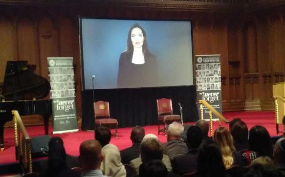 Em vídeo, Jolie fala sobre o genocídio de Srebrenica
